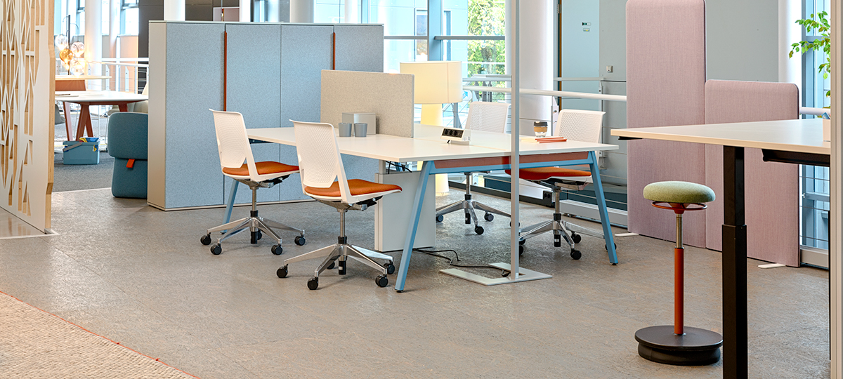 Another workspace, shown with Very seating, making collaboration and presentation an easy transition.