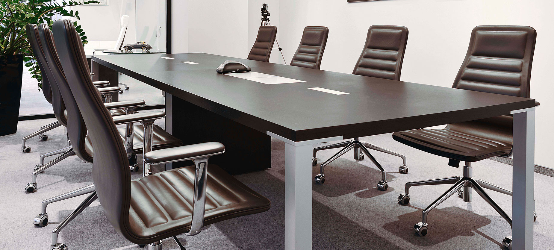 The Conference room is usually where clients spend the most time, so it needs to make a strong first impression. The a_con conference table and Lotus chairs do exactly that.