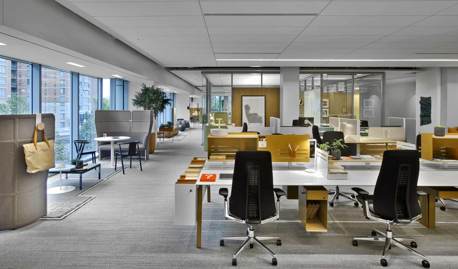 Furniture applications in this zone support those who may not have an assigned workstation, offering a variety of opportunities to