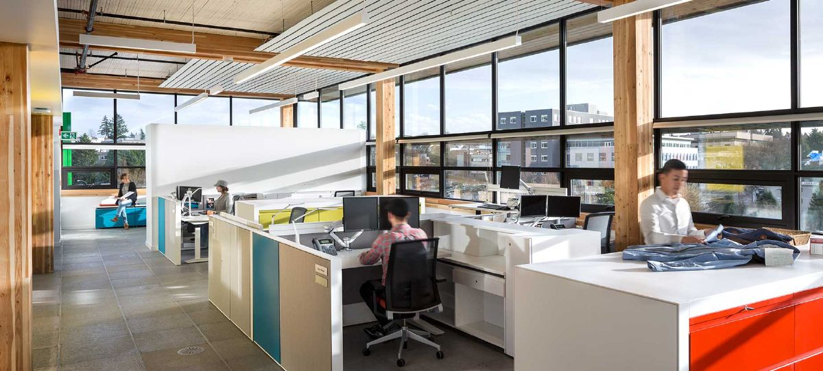 Key space planning objectives were to create environments that supported multiple workstyles as well as a high degree of collaboration. The new workspace would both enable and represent the culture shift the organization desired for the nearly 400 people who work there.
